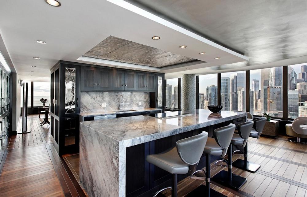 Comment appliquer le marbre à l'intérieur: 4 voies pratiques