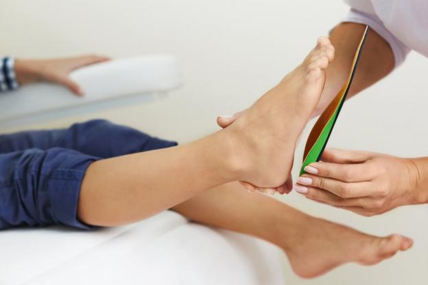 Pourquoi doit-on porter des chaussures orthopédiques ?